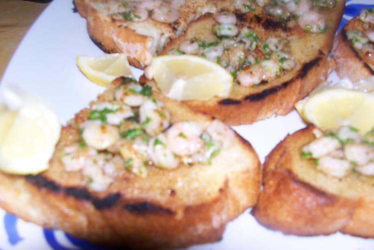 Fruits de mer sur canapés