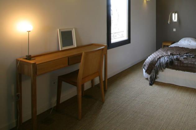 Une chambre à la décoratin épurée