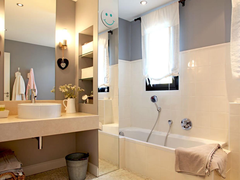 Une salle de bains de fille for Salle de bain fille