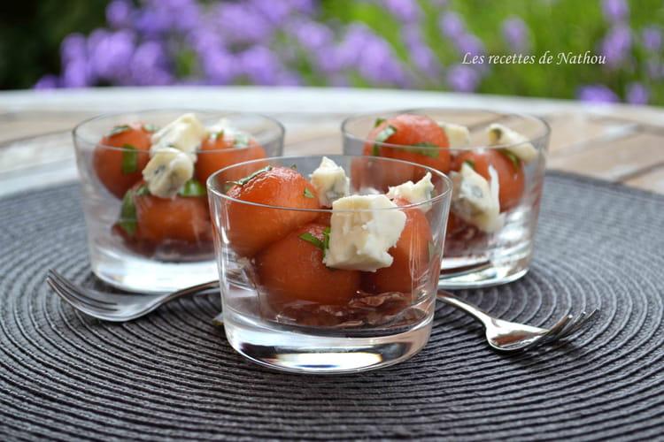 Verrines de melon mariné au Porto et au basilic, gorgonzola et pancetta grillée