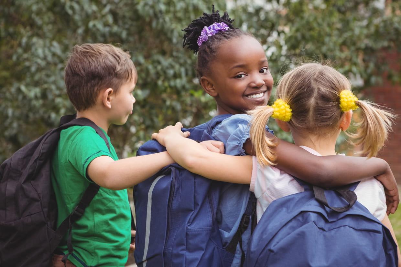 tann 39 s le meilleur des cartables trousses et sacs dos pour enfants. Black Bedroom Furniture Sets. Home Design Ideas