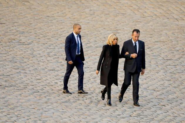 Brigitte Macron sur les pavés des Invalides