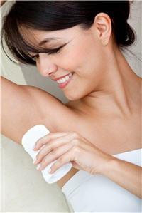 non, les déodorants et anti-transpirants n'augmentent pas le risque de cancers
