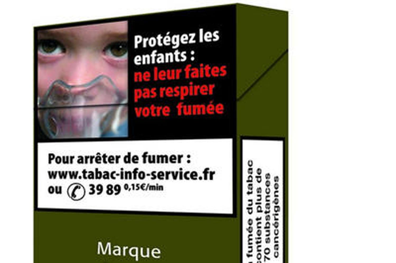 Plan tabac: le paquet neutre arrive en France