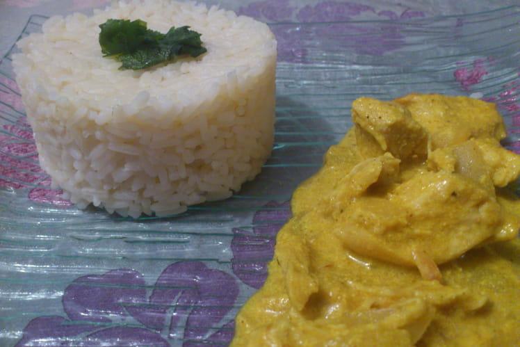 Poulet au curry, lait de coco et gingembre