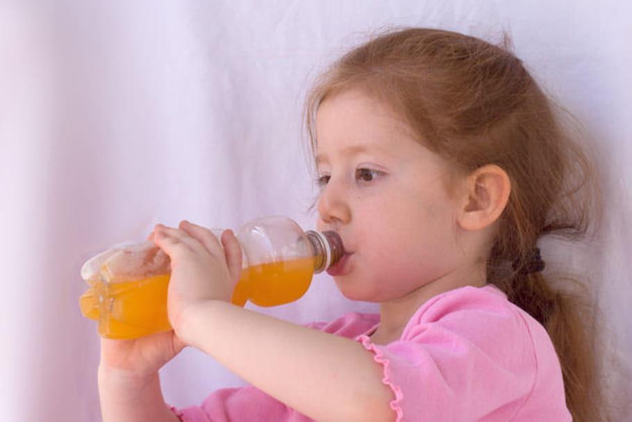 Obésité : les sucres cachés dans le collimateur de l'OMS