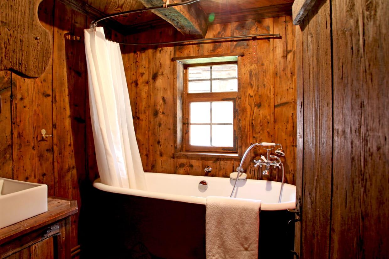 Salle de bains à l\'ancienne