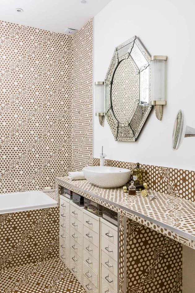salle de bains art d co. Black Bedroom Furniture Sets. Home Design Ideas