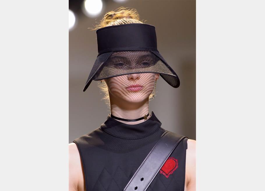Christian Dior (Close Up) - photo 12