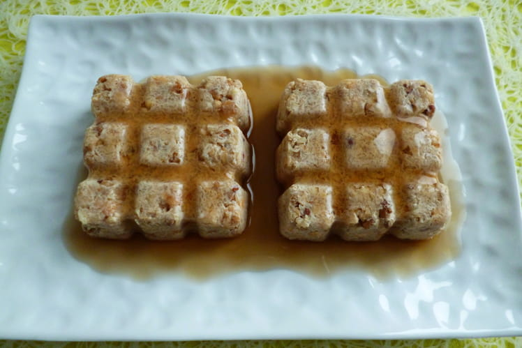 Gâteaux crus au muesli granola hyperprotéiné, avec pommes, psyllium et sirop d'érable