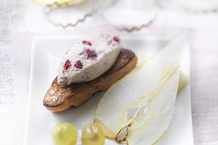 Foie gras rôti, poire et raisins, Tartare Cranberry et Poivre