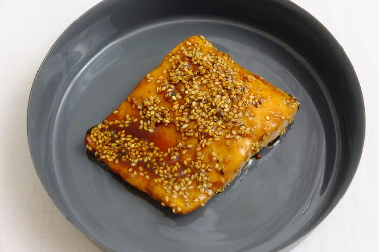 Saumon caramélisé aux graines de sésame