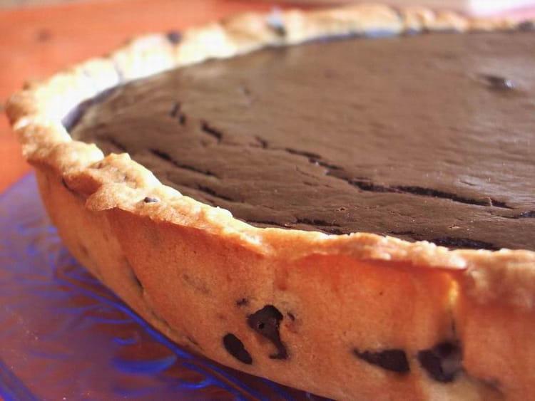 Recette de tarte fondante au chocolat la recette facile - Tarte aux chocolat facile ...
