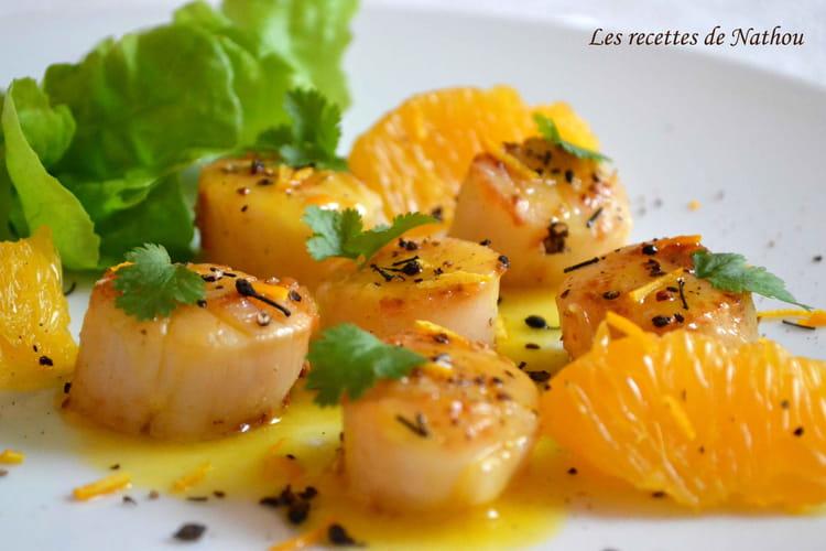 Recette de saint jacques po l es au beurre d 39 agrumes et poivre voatsiperifery la recette facile - Saint jacques au curry ...