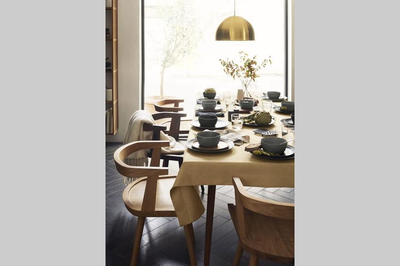 a table avec h m home qui lance sa collection de vaisselle. Black Bedroom Furniture Sets. Home Design Ideas