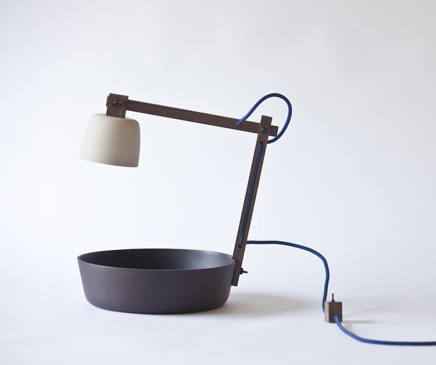 La lampe de chevet avec vide-poche