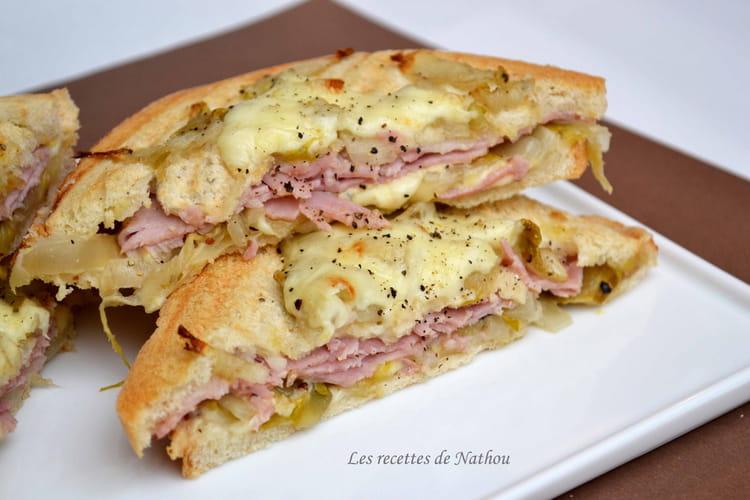 Croques aux chicons confits au miel, jambon et fromage de Maredsous