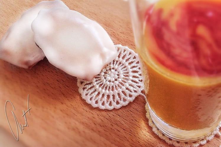 Madeleines glacées à la fleur d'oranger et smoothie mangue-framboise-orange