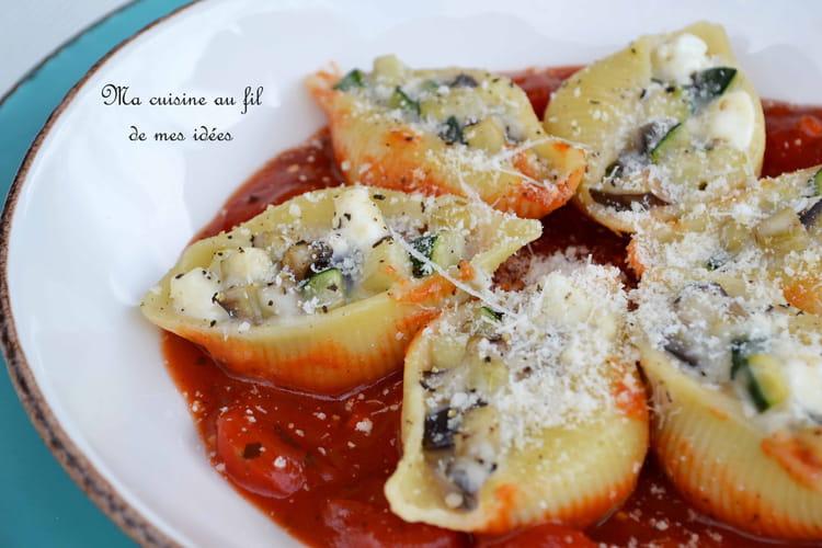 Pâtes conchiglione farcies aux aubergines et courgettes, béchamel et feta