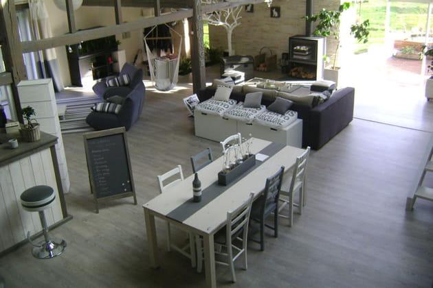 Salon et salle à manger communicants