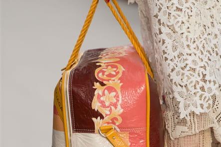Balenciaga (Close Up) - photo 30
