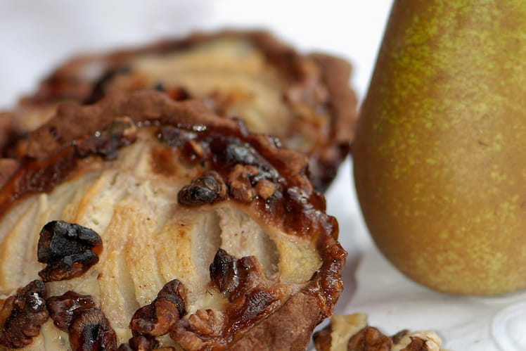 Tartelette poires, noix, miel et épices