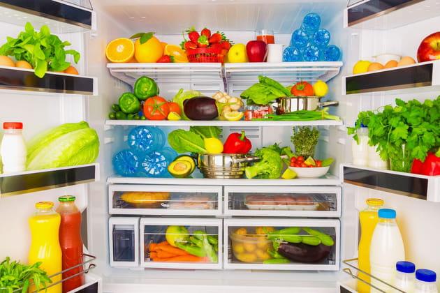 Mettre des aliments dans le frigo tels quels au frigo