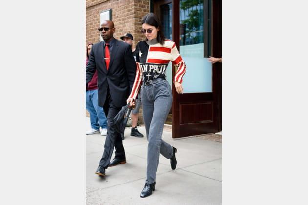 Kendall Jenner en t-shirt America