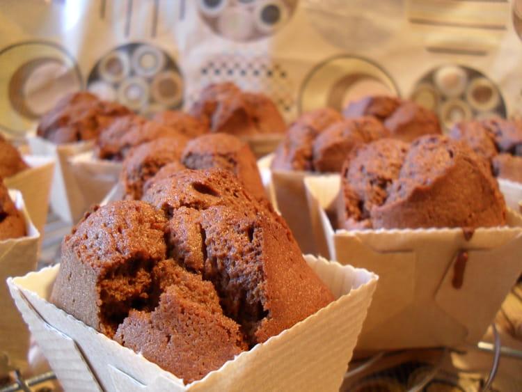 Recette de Petits muffins au chocolat aux pépites de framboises
