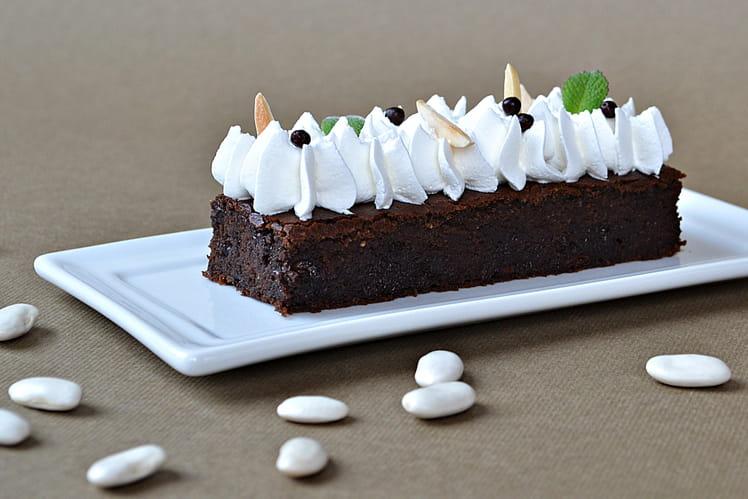 Brownie au chocolat et Haricots Tarbais ainsi que sa crème soja/amande