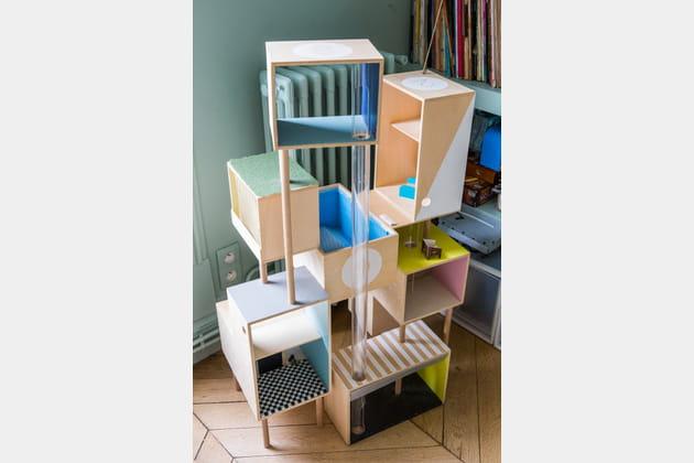 Une maison de poupée en boîtes