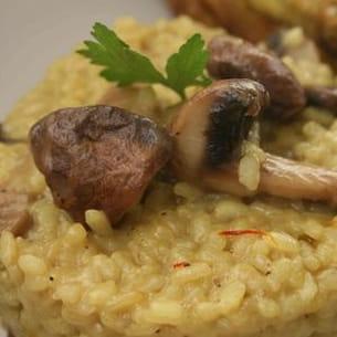 risotto safrané aux champignons et à l'amande