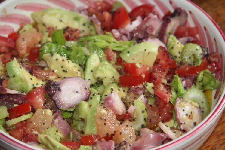 Salade de poulpe à l'avocat et au pamplemousse