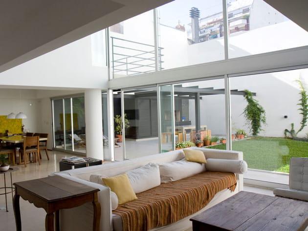 Duplex avec baies vitrées