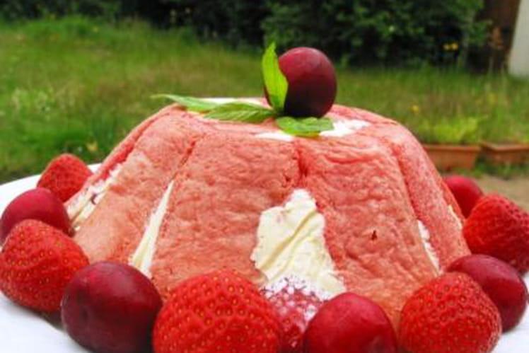Charlotte aux fruits rouges, saveur grenadine et kirsch