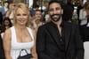 Pamela Anderson, Adil Rami et Sidonie Biémont lavent leur linge sale...