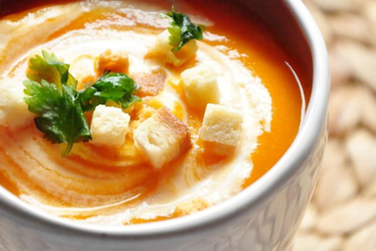 Soupe vitaminée à la carotte, courge et orange