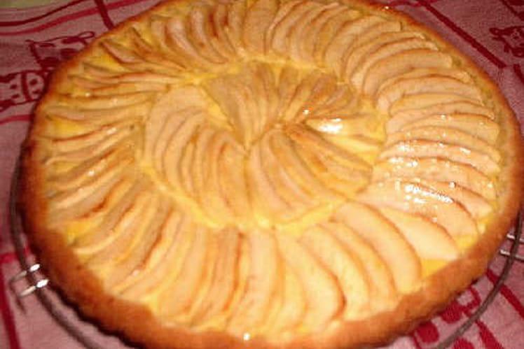 Tarte aux pommes sur compote de pommes