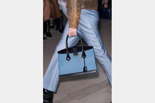 Louis Vuitton (Close Up) - photo 6