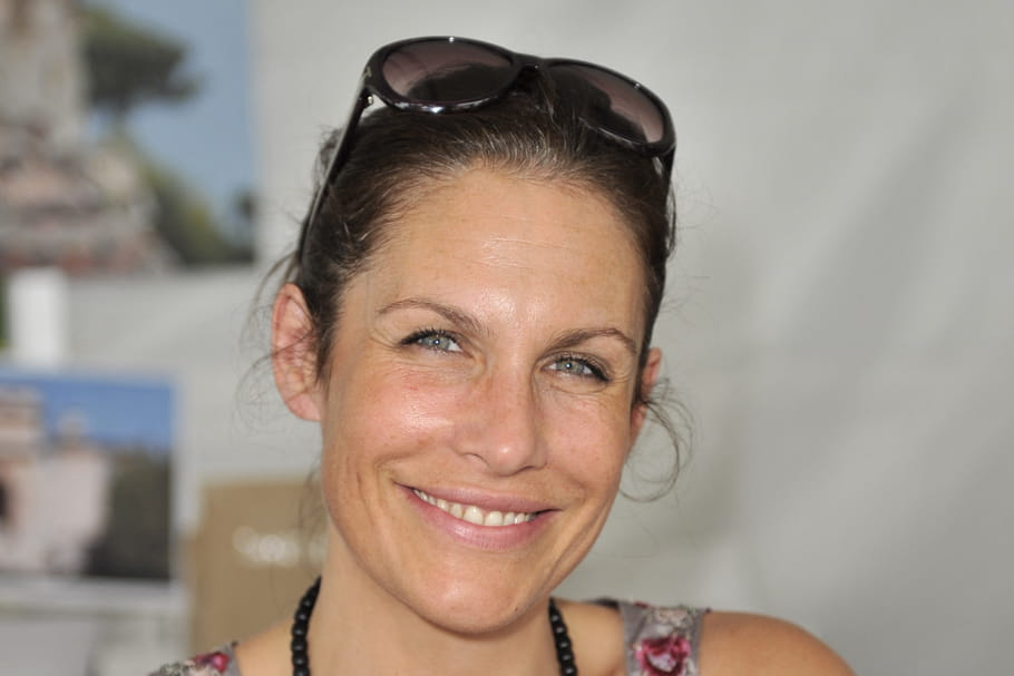 Astrid Veillon: secrets et révélations de l'héroïne de TANDEM