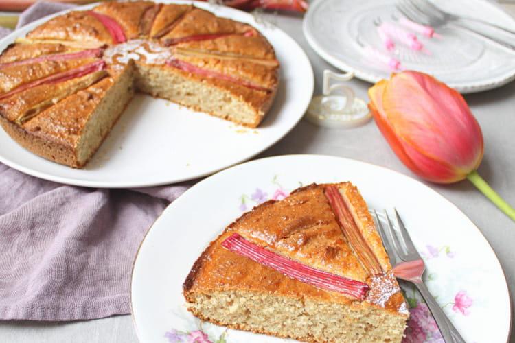 Gâteau moelleux rhubarbe et macis (vegan)
