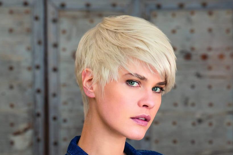 Cheveux gris femme 2020