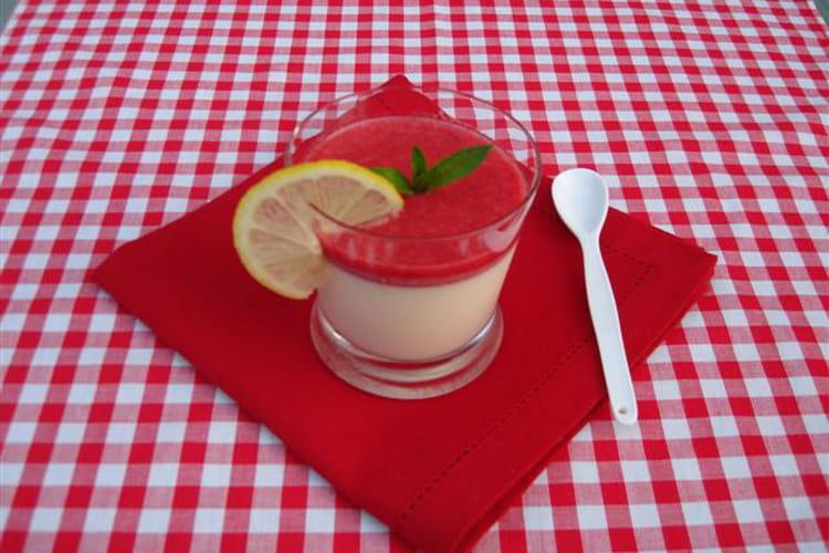 Panna cotta au citron et coulis de fraise