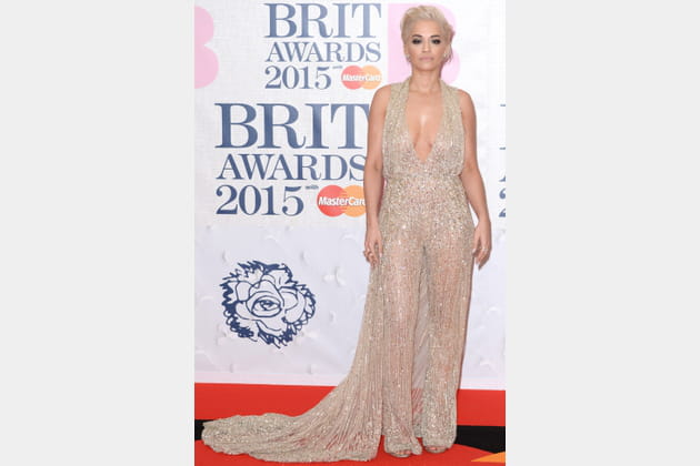 Rita Ora en combinaison dorée de Zuhair Murad