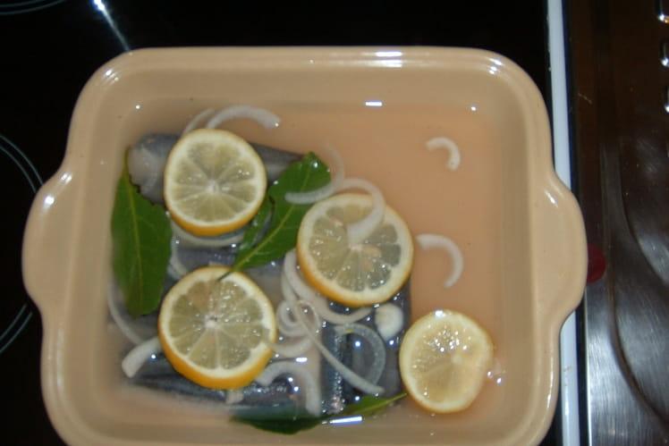 Filets de sardine marinés au vin blanc
