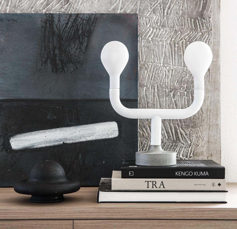 la lampe de chevet originale. Black Bedroom Furniture Sets. Home Design Ideas