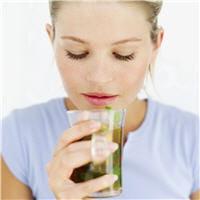 ginseng, gelée royale, thé vert... profitez des bienfaits des plantes.