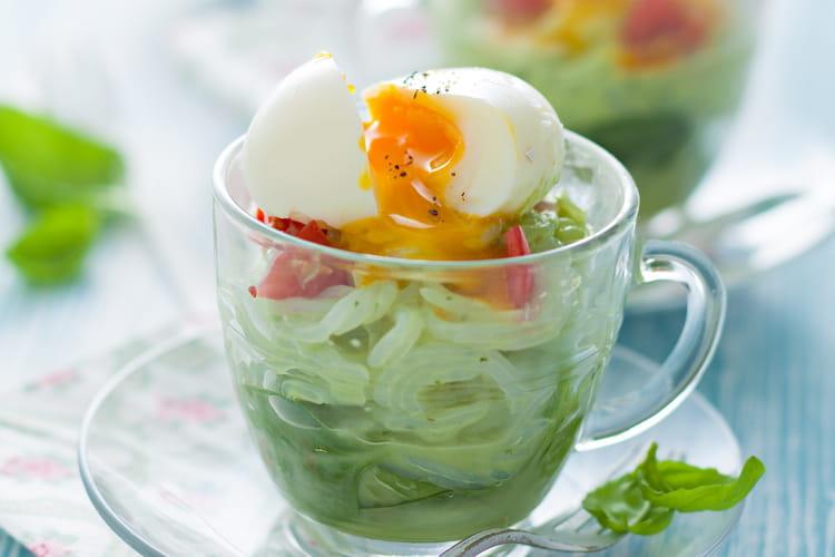 Shirataki, crème d'épinard, oeuf mollet, basilic