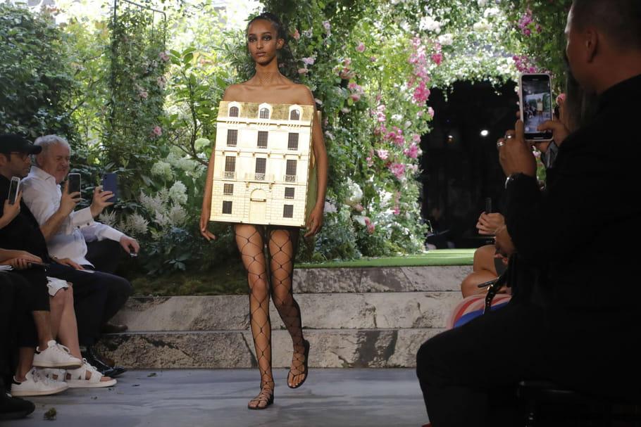 Défilé Christian Dior AH 2019-2020: la maison de l'architecture
