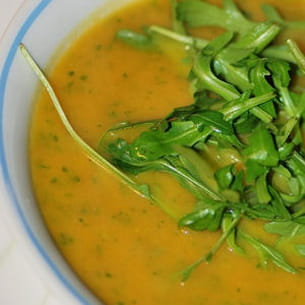 velouté de carottes et roquette au parmesan